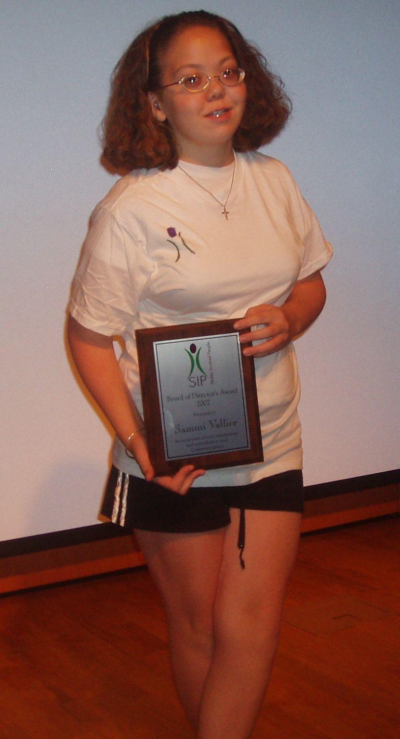 Sammi Vallier & her Award
